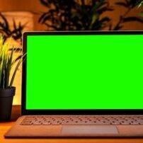 ویدیو فوتیج پرده سبز صفحه مانیتور با حال و هوای هالووین