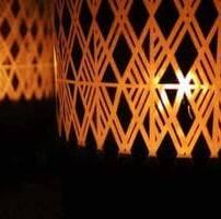 ویدیو فوتیج شمع های در پشت شیشه