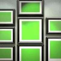 ویدیو فوتیج تصویر قاب عکس با صفحه نمایش سبز روی دیوار